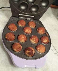 Cooked - Apple Cinnamon Donut Holes