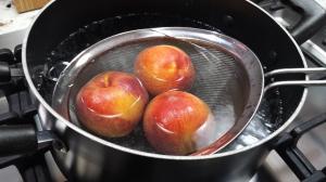 Blanching peaches - Caramel Bourbon Peach Pie